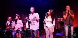 O que acontece como uma família de artistas sobe junta no palco?